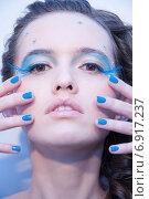 Купить «Бьюти макияж», фото № 6917237, снято 21 февраля 2019 г. (c) Александра Орехова / Фотобанк Лори