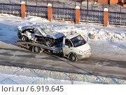 Купить «Эвакуация аварийного автомобиля в зимний период», фото № 6919645, снято 29 мая 2020 г. (c) Землянникова Вероника / Фотобанк Лори