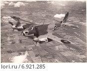 Купить «Де Хевилленд Москито (de Havilland Mosquito) - британский многоцелевой бомбардировщик, ночной истребитель. Старая фотография времён Второй мировой войны», иллюстрация № 6921285 (c) александр афанасьев / Фотобанк Лори