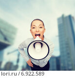 Купить «screaming businesswoman with megaphone», фото № 6922589, снято 8 декабря 2013 г. (c) Syda Productions / Фотобанк Лори