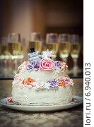 Свадебный торт. Стоковое фото, фотограф Artem Kotelnikov / Фотобанк Лори