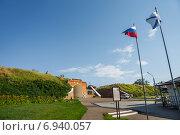 Купить «На площади Азовского осадного сидения в Азове», фото № 6940057, снято 24 июня 2014 г. (c) Борис Панасюк / Фотобанк Лори