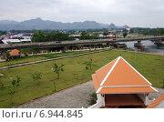 Купить «Вид на реку Квай и Канчанабури, Таиланд», фото № 6944845, снято 11 января 2015 г. (c) Natalya Sidorova / Фотобанк Лори
