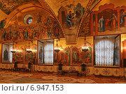 Внутреннее убранство Грановитой палаты, Москва (2015 год). Редакционное фото, фотограф Алексей Гусев / Фотобанк Лори