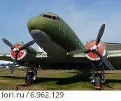 Самолет Ли-2 в музее ВВС (2014 год). Редакционное фото, фотограф Виталий Федотов / Фотобанк Лори