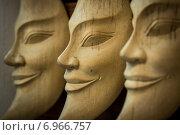Деревянные маски. Стоковое фото, фотограф Николай Николаенко / Фотобанк Лори