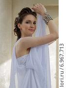 Купить «Девушка в белом», фото № 6967713, снято 18 июля 2013 г. (c) Наталья Степченкова / Фотобанк Лори
