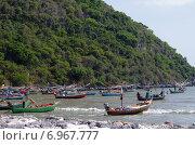 Пляж Pranburi beach в окрестностях Хуахина, Таиланд (2015 год). Стоковое фото, фотограф Natalya Sidorova / Фотобанк Лори