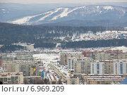 Город Миасс с горы (2014 год). Редакционное фото, фотограф Александр Симонов / Фотобанк Лори
