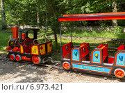 Купить «Детская железная дорога в парке развлечений. Боржоми. Грузия», фото № 6973421, снято 6 июля 2013 г. (c) Евгений Ткачёв / Фотобанк Лори