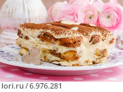 Купить «Tiramisu cake decorated with hearts. Party dessert», фото № 6976281, снято 14 июля 2020 г. (c) BE&W Photo / Фотобанк Лори
