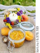 Купить «Peach jam. Summer healthy fruity dish», фото № 6978189, снято 26 марта 2019 г. (c) BE&W Photo / Фотобанк Лори