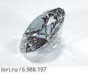 Купить «Сияющий бриллиант на белом фоне, вид сбоку (иллюстрация)», иллюстрация № 6988197 (c) Александр Степанов / Фотобанк Лори