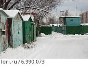 Купить «Гаражный кооператив на Курганской улице в Гольяново в Москве», эксклюзивное фото № 6990073, снято 27 ноября 2008 г. (c) lana1501 / Фотобанк Лори
