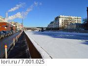 Водоотводный канал в Москве зимой, эксклюзивное фото № 7001025, снято 10 февраля 2015 г. (c) lana1501 / Фотобанк Лори