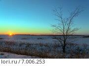 Купить «Закат в полях Тульской области зимой», фото № 7006253, снято 7 января 2015 г. (c) Валерий Боярский / Фотобанк Лори