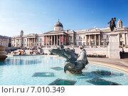 Купить «Лондон, фонтан на Трафальгарской площади», фото № 7010349, снято 8 сентября 2014 г. (c) Iakov Kalinin / Фотобанк Лори