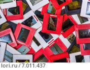 Купить «Старые слайды россыпью», фото № 7011437, снято 14 февраля 2015 г. (c) vale_t / Фотобанк Лори