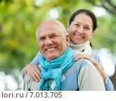 Mature couple in park, фото № 7013705, снято 22 октября 2017 г. (c) Яков Филимонов / Фотобанк Лори