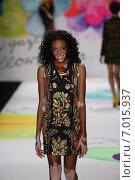NEW YORK, NY - FEBRUARY 12: Winnie Harlow walks the runway at the Desigual fashion show during Mercedes-Benz Fashion Week Fall 2015 at The Theatre at Lincoln Center on February 12, 2015 in New York City. Редакционное фото, фотограф Anton Oparin / Фотобанк Лори