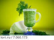 Купить «Овощное напиток с капустой и зеленью», фото № 7060173, снято 26 февраля 2015 г. (c) Peredniankina / Фотобанк Лори