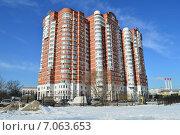 Купить «Кольская улица, 2, корпус 5. Москва», эксклюзивное фото № 7063653, снято 25 февраля 2015 г. (c) lana1501 / Фотобанк Лори