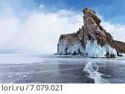 Байкал. Красивые скалы южной части острова Огой в наплесковых льдах. Стоковое фото, фотограф Виктория Катьянова / Фотобанк Лори