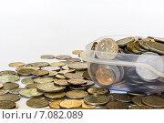 Монеты России россыпью и в посуде. Стоковое фото, фотограф Митрофанов Роман / Фотобанк Лори