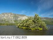 Купить «Небольшой островок на Сейдозере», фото № 7082809, снято 23 января 2020 г. (c) Иван Аборнев / Фотобанк Лори