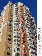 Купить «Двадцатипятиэтажный шестиподъездный панельный жилой дом серии П-44ТМ-25. Студёный проезд, 14. Москва», эксклюзивное фото № 7090601, снято 25 февраля 2015 г. (c) lana1501 / Фотобанк Лори