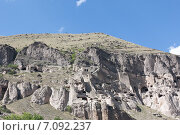 Купить «Вардзия -  пещерный монастырский комплекс XII—XIII веков на юге Грузии», фото № 7092237, снято 11 августа 2013 г. (c) Олег Хархан / Фотобанк Лори