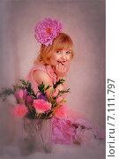 Девочка с большим цветком в волосах. Стоковое фото, фотограф Olena Kravchuk / Фотобанк Лори