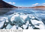Купить «Байкал. Солнечный зимний пейзаж с рисунками пузырей в толще прозрачного льда», фото № 7122053, снято 14 марта 2015 г. (c) Виктория Катьянова / Фотобанк Лори