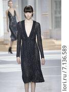 Купить «NEW YORK, NY - FEBRUARY 18: A model walks the runway at the Boss Womens fashion show during Mercedes-Benz Fashion Week Fall on February 18, 2015 in NYC.», фото № 7136589, снято 18 февраля 2015 г. (c) Anton Oparin / Фотобанк Лори