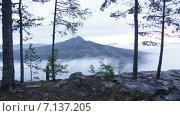 Таймлапс, гора Малый Ямантау. Рассвет. Стоковое видео, видеограф R.I.Production / Фотобанк Лори