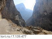 Купить «Черекское ущелье, Кабардино-Балкария», эксклюзивное фото № 7139477, снято 12 марта 2015 г. (c) Алексей Гусев / Фотобанк Лори