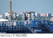 Московский нефтеперерабатывающий завод в районе Капотни (2014 год). Стоковое фото, фотограф Юрий Губин / Фотобанк Лори