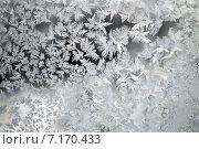 Купить «Ледяные морозные узоры на стекле», фото № 7170433, снято 1 января 2015 г. (c) Сергей Девяткин / Фотобанк Лори