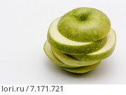 Зеленое яблоко. Стоковое фото, фотограф Aleksandr Tishkov / Фотобанк Лори