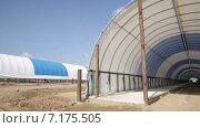 Строительство сельхозпредприятий. Стоковое видео, видеограф R.I.Production / Фотобанк Лори