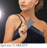 Купить «woman in evening dress with plastic card», фото № 7189517, снято 17 марта 2013 г. (c) Syda Productions / Фотобанк Лори