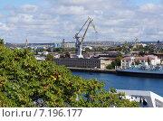 Порт, Севастополь (2013 год). Редакционное фото, фотограф Шайкина Наталья / Фотобанк Лори