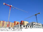 Купить «Строящийся дом и подъёмный кран на фоне голубого неба», фото № 7207573, снято 21 января 2014 г. (c) Сергей Трофименко / Фотобанк Лори