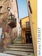 Купить «Старинная улочка в Монтепульчано, Тоскана, Италия», фото № 7210617, снято 16 мая 2014 г. (c) Наталья Волкова / Фотобанк Лори