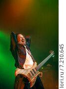Купить «Басист Catharsis», фото № 7210645, снято 8 апреля 2014 г. (c) Николай Сомов / Фотобанк Лори