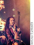 Купить «Басист группы Catharsis», фото № 7210673, снято 8 апреля 2014 г. (c) Николай Сомов / Фотобанк Лори
