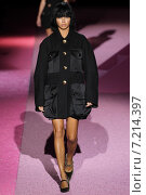 Купить «NEW YORK, NY - SEPTEMBER 11: Model Adriana Lima walk the runway at Marc Jacobs during Mercedes-Benz Fashion Week Spring 2015 at Seventh Regiment Armory on September 11, 2014 in NYC.», фото № 7214397, снято 11 сентября 2014 г. (c) Anton Oparin / Фотобанк Лори