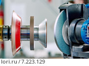 Купить «grinding machine tool for sharpening», фото № 7223129, снято 4 марта 2015 г. (c) Дмитрий Калиновский / Фотобанк Лори