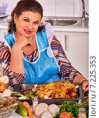 Купить «Mature woman preparing at kitchen.», фото № 7225353, снято 21 июля 2013 г. (c) Gennadiy Poznyakov / Фотобанк Лори