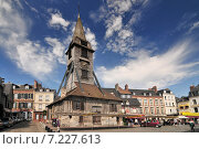Купить «Bell tower of the Sainte Catherine church of Honfleur in Normandy», фото № 7227613, снято 15 августа 2018 г. (c) BE&W Photo / Фотобанк Лори